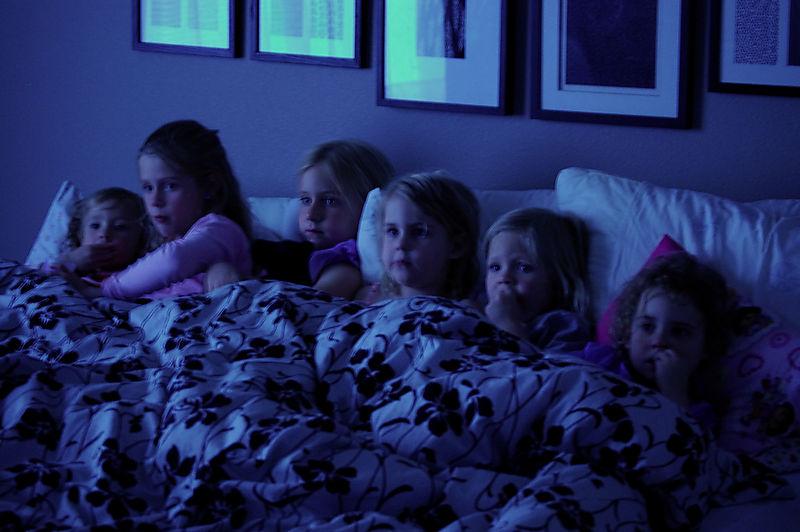 6 little monkeys in my bed1