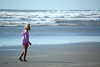 Long beach 08 emma walking1