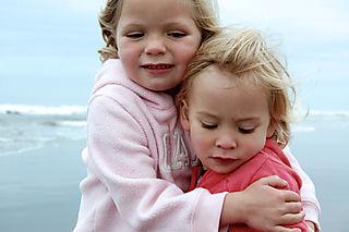 Long beach 08 hannah and laurel1