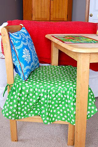 Happy chairs cat01_2