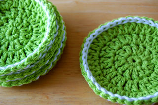 Crochet coasters2009-01-11