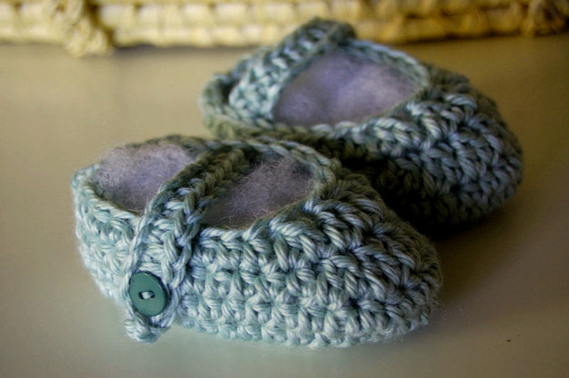 Booties for alex's baby2009-01-11