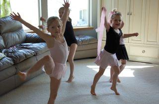 Ballet party dancing2009-03-18_1