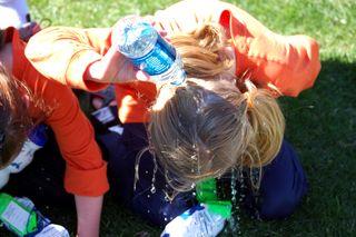 R2r emma water on head2009-04-03