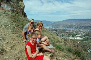 Saddlerock family pic2009-04-18
