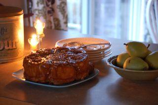 Sticky buns ready to eat2009-10-13