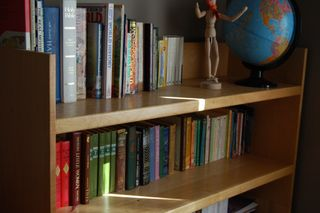 Bookshelf2009-09-17