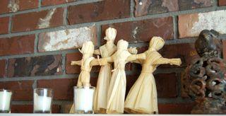 Corn husk dolls2009-10-19