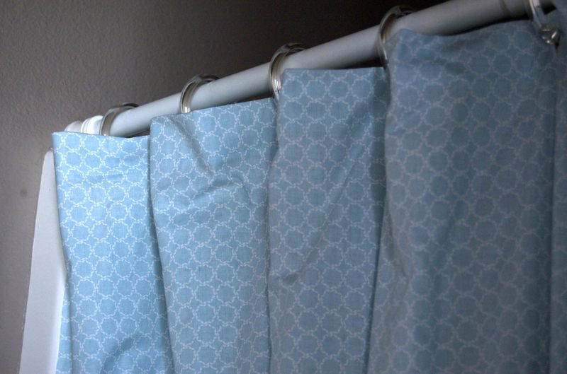 Shower curtain close