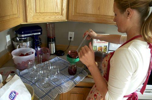 Making jam ladle