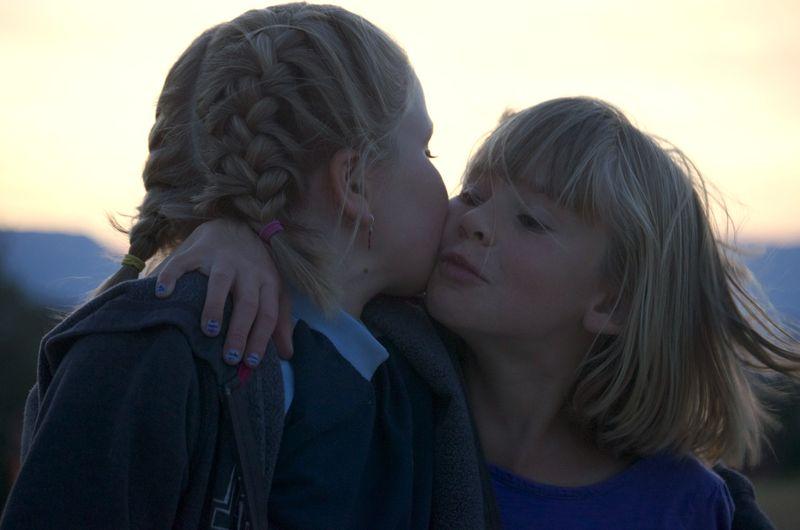 Evening walk- hannah and laurel kiss
