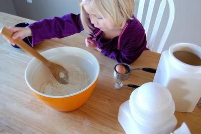 Mixing_dry_ingredients0001