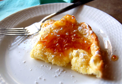 Puffed_oven_pancake_with_marmelade1