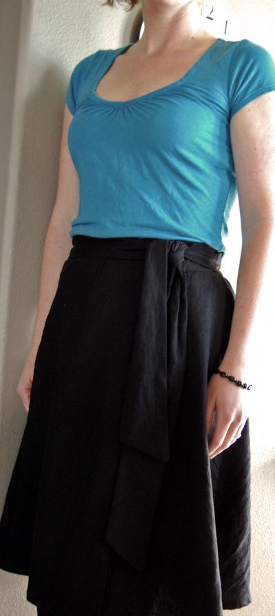 Black_linen_skirt1